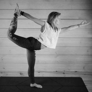 Aurélie-professeur-yoga-saint-gilles-croix-de-vie-vendée